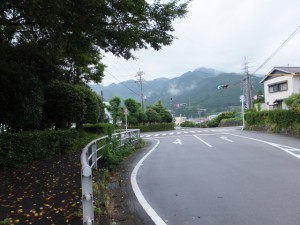 矢浜宝篋印塔付近の交差点
