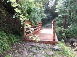 伊勢内宮清順上人供養碑の先のひとつめの橋