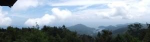 桜の森広場の東屋からのパノラマ(八鬼山)
