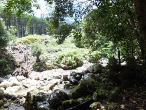 八鬼山峠道三木里登り口付近