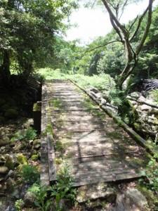 八鬼山峠道三木里登り口から名柄一里塚へ