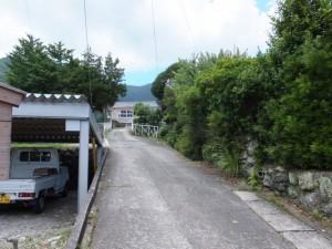 三木里小学校への坂道