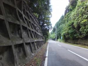 八十川橋からヨコネ道の入り口へ