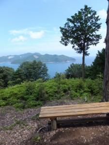 三木崎峠展望所(三木峠付近)から望む賀田湾