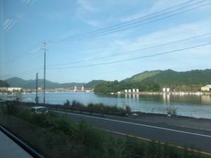 JR紀勢本線から望む紀伊長島の江ノ浦
