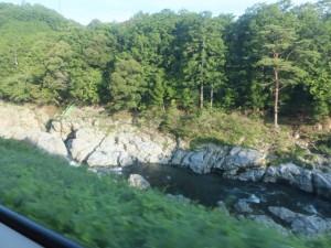 JR紀勢本線の車窓から望む大滝峡