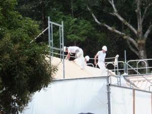 九丈殿の屋根の張替え作業(外宮、大庭)
