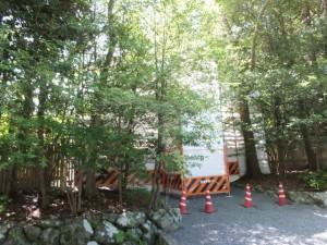 修繕(?)中の斎館の御門(内宮)