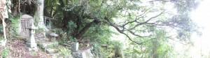 二木島の一里塚跡、キリシタン燈籠