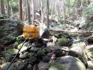 水源(二木島峠逢神坂峠道)