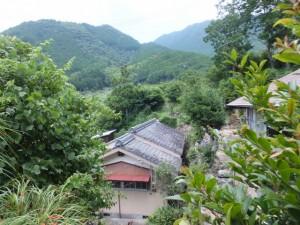 新鹿登り口(二木島峠逢神坂峠道)から湊川橋への途中