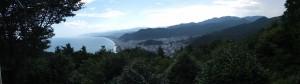 松本峠から鬼ヶ城 城跡へ向かう途中の東屋からの眺望