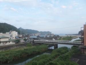 JR紀勢本線から望む大泊橋(熊野宮川)