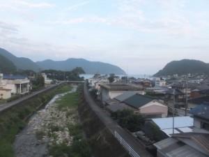JR紀勢本線から望む里川橋(里川)