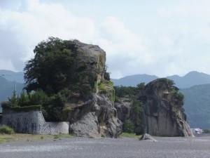 人面石(神仙洞)と獅子岩
