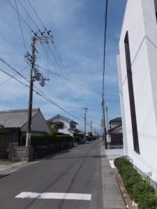 「有井駅・産田神社、花の窟神社」の道標付近から望む立石の道標方向