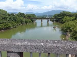 志原橋から望む志原川とJR紀勢本線