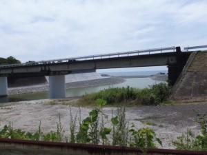 志原橋から望む国道42号 新志原橋