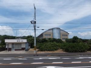 国道42号から望む御浜町役場