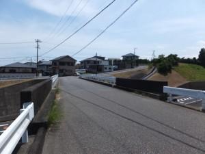 国道42号バイパスに架かる橋(上野(うわの)交差点付近)