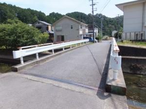 神内川に架かる橋