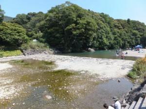 烏帽子岩の下流側付近(五十鈴川)