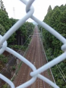 堅神跨線橋から望む近鉄鳥羽線(第二伊勢道路開通記念ウォーク)