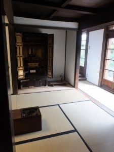 1階の仏間(鳥羽大庄屋かどや)