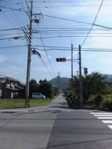 国道42号線日の出橋東交差点から神前神社方向を望む