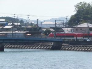 近鉄 船津駅で対向する近鉄特急と伊勢志摩ライナー