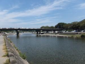 神宮道場付近から浦田橋方向を望む(五十鈴川)