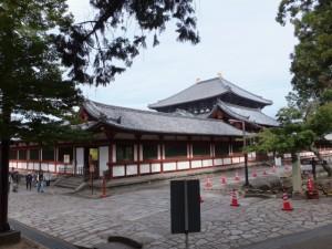 大仏殿の東回廊付近(東大寺)