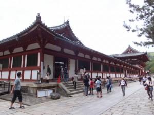 大仏殿入堂口(東大寺)