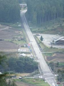 飼坂峠の展望台(伊勢本街道)から望む道の駅「美杉」方向