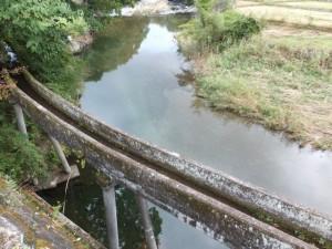 農業用水と八手俣川(美杉町上多気)