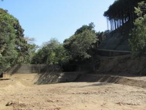 白滝大明神の参道にある砂防ダム(鳥羽市)
