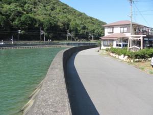 加茂川と八幡神社の川原祓所