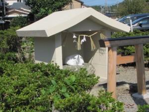 加茂川右岸のある八幡神社の川原祓所