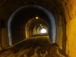 二見隧道(自転車、歩行者用)