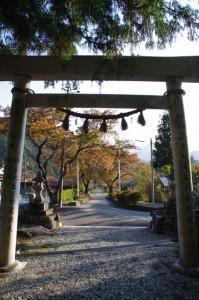 乳峯神社から望む参道(松阪市飯高町七日市)
