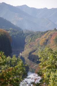 三瀬砦跡(大台町下三瀬)から望む宮川