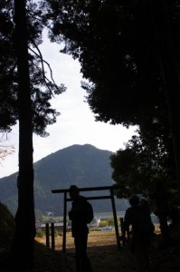 三瀬砦跡を出る(大台町下三瀬)