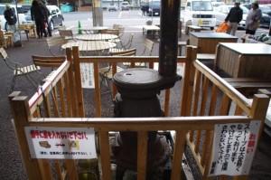 休憩スペースに置かれたダルマストーブ(道の駅 奥伊勢おおだい)