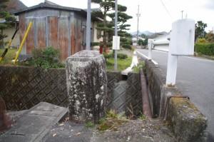 岩船橋の親柱(三重県立宮川高等学校の跡地付近から大谷不動方向へ)