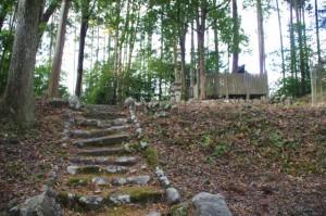 三瀬砦跡に祀られている八幡社(大台町下三瀬)