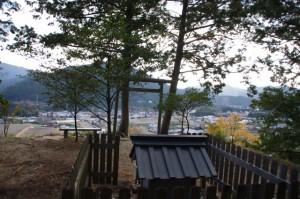 茶臼山の山頂、秋葉神社(大台町)