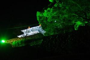 イルミネーションで復元された田丸城の天守閣(度会郡玉城町)