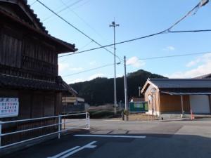 熊野古道伊勢路(JR紀勢本線 新田踏切付近)