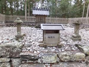 (11) 野添神社
